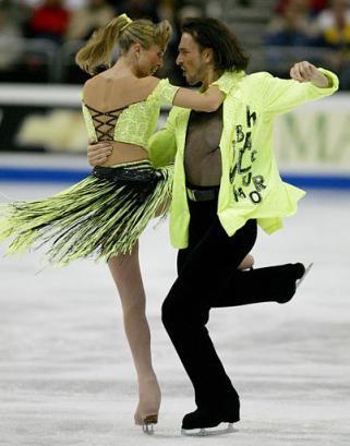 http://www.iceskate.net/skater%20pix/lobave/irina_lobacheva_ilia_averbukh_fd_2003worlds_by_roberto_borea_apphoto.jpg